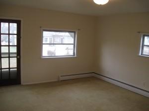 68 Vine 1A livingroom